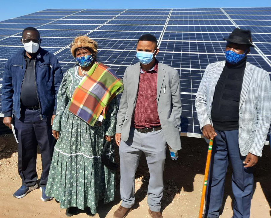From left to right: Prof James Katende, NUST Professor of Renewable Energy Systems; Gaos Juliane Gawa- !Nas, Chief of /Khomanin Traditional Community; Hon.Piet Adams, Regional Councilor Windhoek Rural Constituency; Josef Eiseb, Chief Justice of the Hagos Traditional Court.